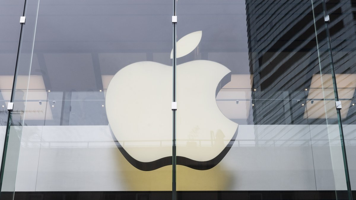 Apple issues emergency security update