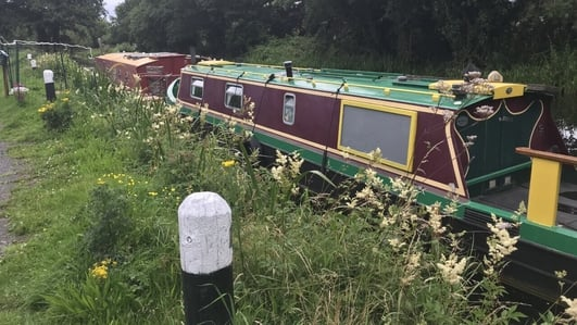 Houseboat owners in limbo over lack of permits