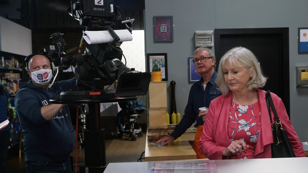 Bryan Murray (Bob) and Una Crawford O'Brien (Renee) return to Carrigstown