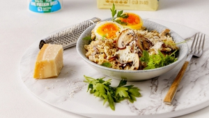 Savoury oats with mushrooms and eggs