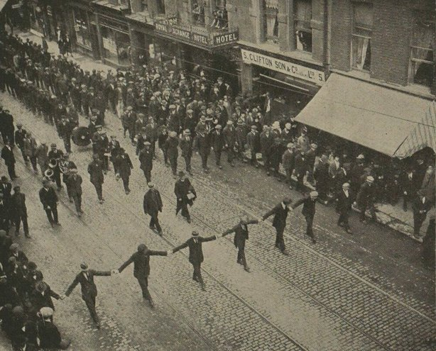Thomas Farrelly's funeral in Dublin Photo: Illustrated London News, 21 August 1920