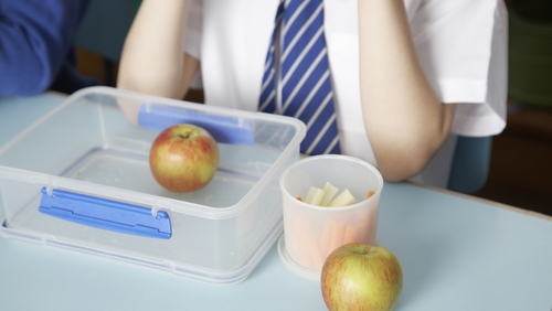 The advice is to wash lunchboxes daily