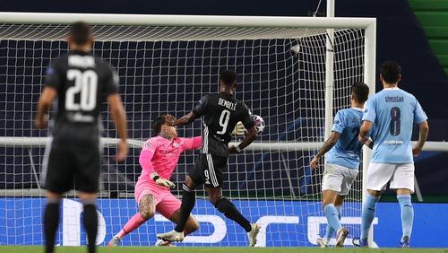Moussa Dembele scores Lyon's third