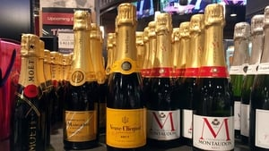 Champagne dealers agree a 22% production cut to Covid-19