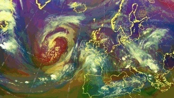 Brewing up a storm: 'storminess in Ireland has varied over decades, centuries and millennia, posing challenges to human populations and altering ecosystems' Photo: Met Eireann