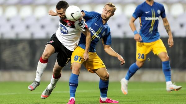 Michael Duffy in action against Advan Kadusico