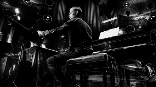 Max Richter performs SLEEP (Photo Rahi Rezvani)