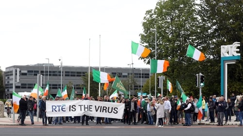 The crowd gathered outside RTÉ before making their way to the main TV reception (Pic: RollingNews.ie)