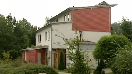 German Housing (2005)