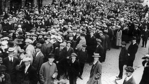 ISDL demonstrators gather at Liverpool's Pier Head in August 1920 for the arrival of Archbishop Daniel Mannix. Photo:Firmin/Topical Press Agency/Getty Images