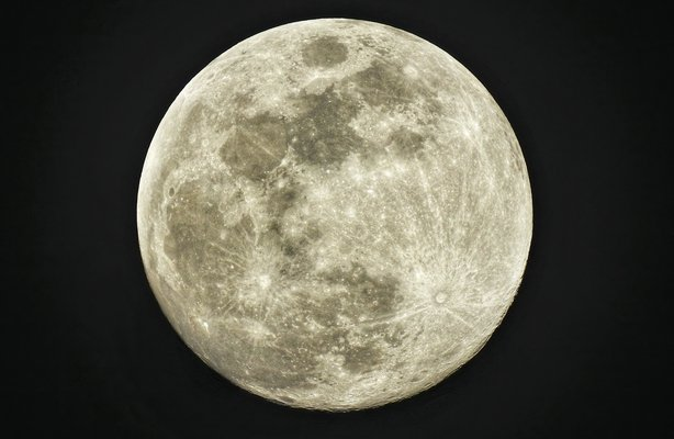 Scientists discover the Moon is rusting