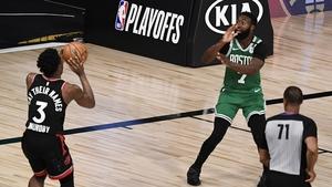 OG Anunoby shoots the winning basket