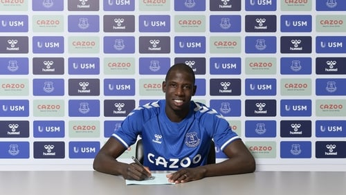 Abdoulaye Doucoure signs on the dotted line