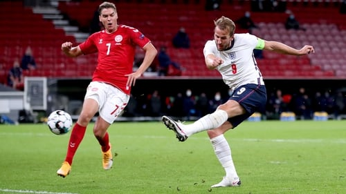 Harry Kane (R) went closest for England