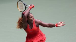 Serena Williams battled into the US Open semi-finals