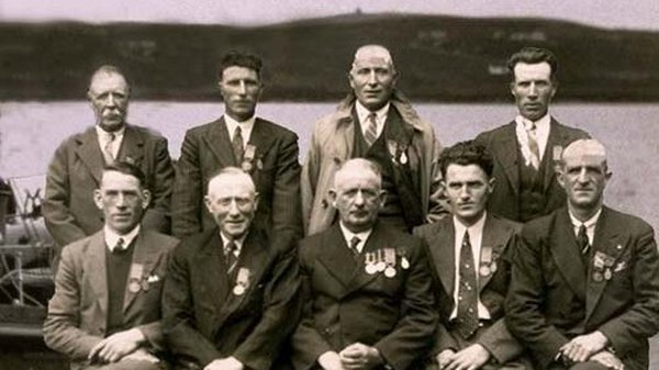 The crew of the Arranmore Lifeboat, with their medals from Dutch Government