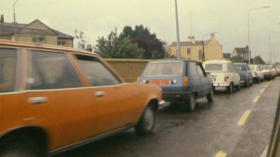 Queuing For Petrol (1980)
