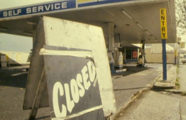 Petrol Station Closed (1980)