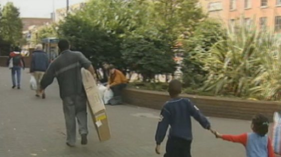 People in Dublin city centre (2000)