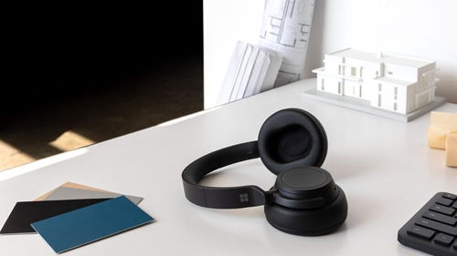 The Surface Headphones 2 have a mixture of button, dial and touch controls