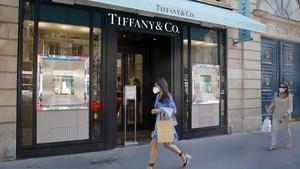 Tiffany & Co has beaten Wall Street expectations for its quarterly profit