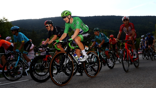 Sam Bennett had a nervy finish to the stage but extended his lead in the race for the green jersey