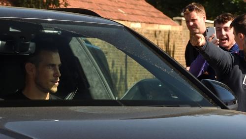 Spurs fans welcome back Gareth Bale
