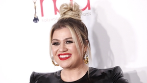 """Kelly Clarkson said """"divorce is never easy"""""""