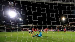 Substitute Marcus Rashford scores United's second goal at Kenilworth Road