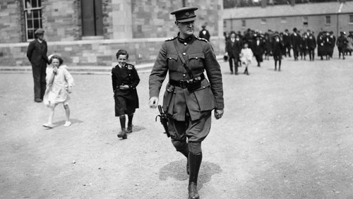 """""""Collins told the bishop that the 'Provisional Government would.finance salaries in the Six Counties'."""" Photo: Hulton-Deutsch Collection/CORBIS via Getty Images)"""