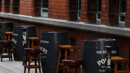 The Taoiseach's comments seem to open up the possibility of so-called wet pubs being able to serve outdoor customers