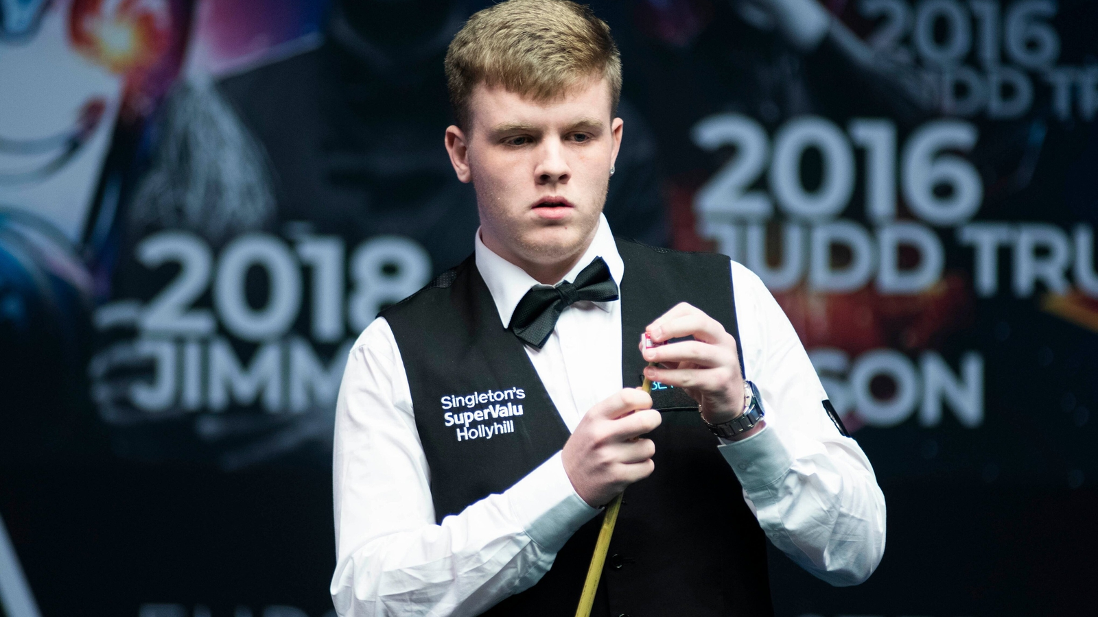 Hill and Quinn exit Crucible qualifiers as O'Brien wins