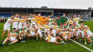 The Clonmel Commercials captain Jamie Peters and his team mates with the O'Dwyer Cup