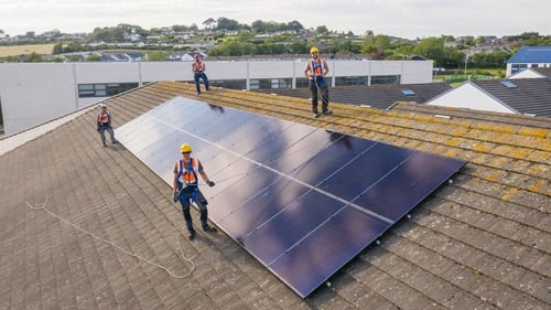 The new partnership will see Microsoft and SSE Airtricity install and manage the internet-connected solar panels in 27 primary and secondary schools across the country