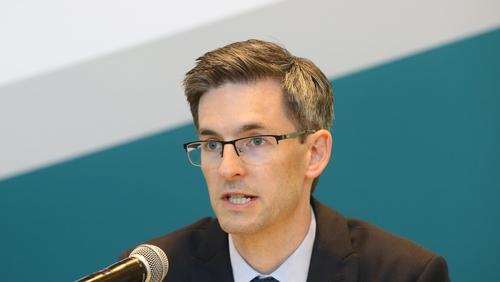 An Dr Rónán Glynn