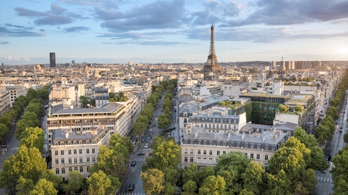 The plan would see most vehicles banned from the central streets of Paris