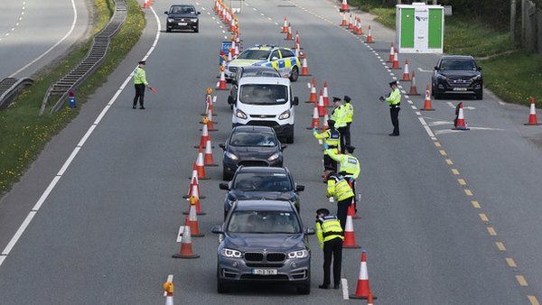 A Garda check point in Dublin as Level 3 restrictions were introduced (Pic: RollingNews.ie)