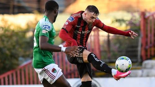 Danny Grant of Bohemians shoots to score his side's second goal