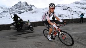 Wilco Kelderman leads the Giro