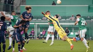 David Luiz scores Arsenal's first goal against Rapid Vienna