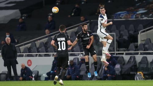 Tottenham Hotspur's Gareth Bale beats LASKs Marvin Potzmann