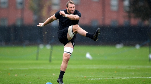 Chris Robshaw was one of the players to breach the Barbarians bubble