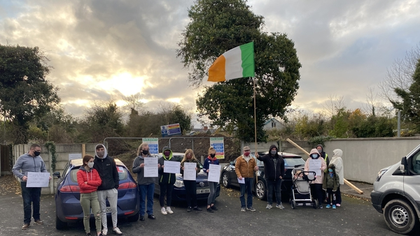 Slí na Mona residents in Ballymahon have blocked machinery entering the area