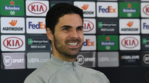 Mikel Arteta watched his Dundalk counterpart's interview
