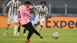 Lionel Messi seals the victory in Turin