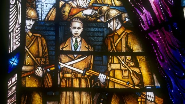 The Kevin Barry memorial stained glass window in University College Dublin (RTÉ Stills Library)
