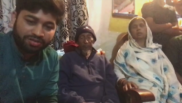 Sufi Masood, the cousin of Seema Banu, with Seema's father Abdul Ghaffar and her mother Qurishid-un-nisa