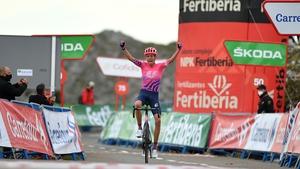 Hugh Carthy wins stage 12 at the Alto de l'Angliru