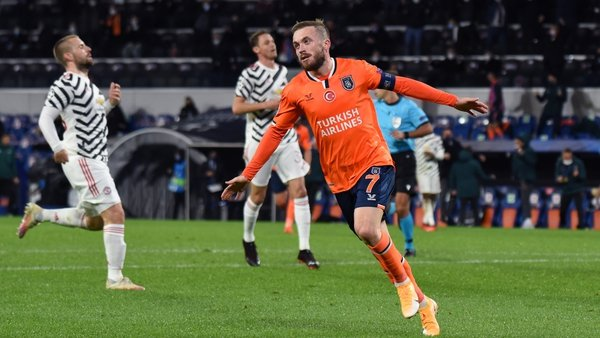 Edin Visca celebrates Istanbul Basaksehir's second goal against Man United