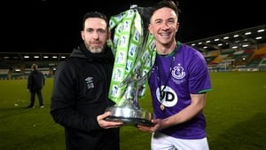 Stephen Bradley and captain Ronan Finn celebrate with the trophy in Tallaght
